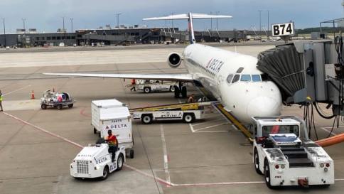 Delta Air Lines Retires McDonnell Douglas MD-80 Series Aircraft
